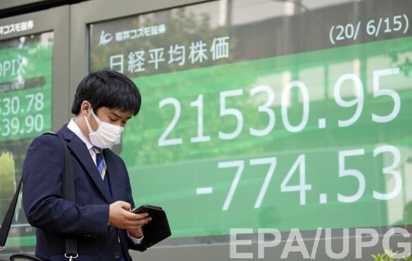 Китай готовится отказаться от долларовых операций