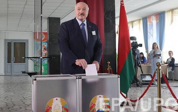 Президент Беларуси получил от граждан мандат на продолжение правления