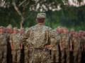 Военнослужащим выплачивают половину расходов на армию