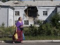 Обстрелы повредили 90 школ Луганска