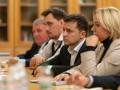 Зеленский встретился с родными погибших военных