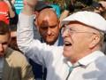 Жириновский хочет наказать побитого им митингующего