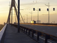 В столице мужчина пытался покончить с собой, спрыгнув с моста