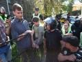 Участники АТО приковали себя наручниками к забору под АП на Банковой
