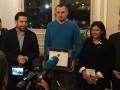 Сенцову вручили документы о почетном гражданстве Парижа