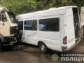 В Днепре грузовик влетел в маршрутку с пассажирами, много пострадавших
