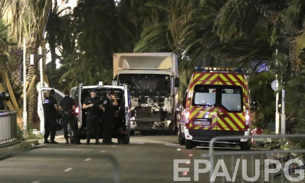 Как минимум 50 человек погибли при теракте вНицце