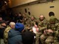 Освобожденные бойцы ВСУ направлены в госпиталь