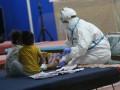 В США заявили о рекордном за неделю числе инфицированных COVID-19 детей