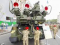 На Крещатике выставили образцы военной техники