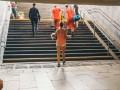 В Киеве 2-летней девочке эскалатором зажало ногу