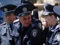 Милиционерам запретили щелкать семечки, плеваться и