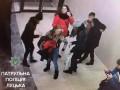 В Луцке подростки избили и ограбили девушку