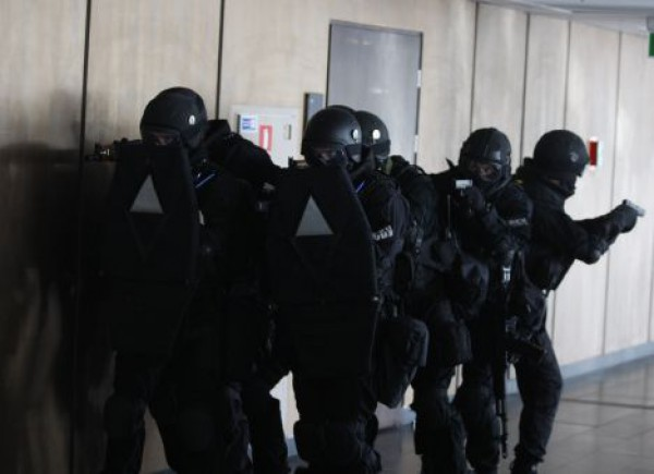 Во время штурма Днепропетровской ОГА ранены четыре человека, семь задержаны