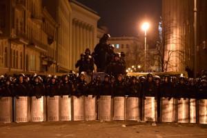 В Киев стягивают внутренние войска