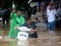 Наводнения и оползни в Индонезии: погибли 60 человек