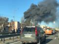 Столб черного дыма над Киевом: Горят склады рядом с БЦ