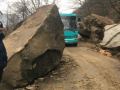 На Закарпатье дорогу заблокировал селевой поток