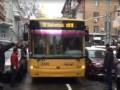 Припаркованное авто на час заблокировало улицу в Киеве