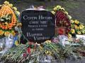 В Киеве вандалы разгромили памятник Сергею Нигояну