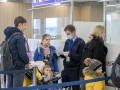 С заболевшей гражданкой Молдовы летели украинцы: Им ограничат выезд