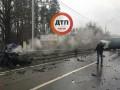 В Киеве фура раздавила легковушку, есть жертвы