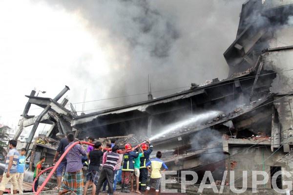 Мощнейший взрыв прогремел нафабрике вБангладеш
