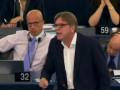 В Европарламенте жестко отчитали премьер-министра Греции Ципраса