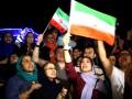 Тысячи иранцев отпраздновали на улицах Тегерана снятие санкций со страны