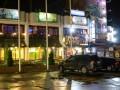 На Троещине иностранец устроил стрельбу в ресторане: Ранена девушка-бармен