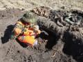 В Харьковской области нашли массовое захоронение солдат