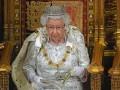 Елизавета II отказалась носить натуральный мех