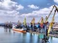 Мариупольский порт вывозит своих работников в Одессу - СМИ