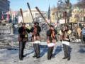 День в фото: гуцулы на баррикадах и феникс в Нью-Йорке