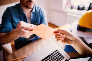 ГФС усилит проверки работодателей на наличие зарплат в конверте