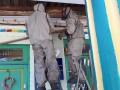 В Мариуполе шершни атаковали детсады и школу