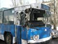 В Николаеве троллейбус с пассажирами протаранил столб