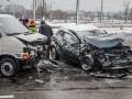 В Киеве авто вылетело на встречную полосу: пострадали дети и женщина