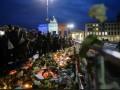 Как во всем мире вспоминают жертв терактов в Париже