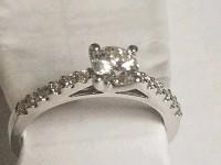 В Нью-Йорке парень сделал неудачное предложение, потеряв кольцо