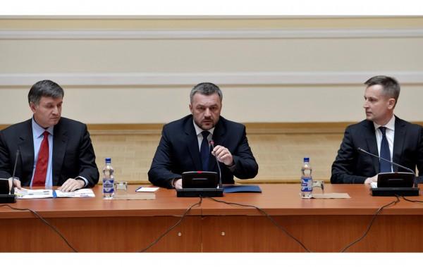 Завтра правоохранители отчитаются о состоянии расследования дел Майдана, топ-коррупции, преступлений судей КСУ и проведения люстрации - Цензор.НЕТ 7638