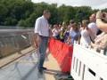 В Киеве стекла на новом пешеходном мосту заменят на бронированные