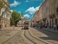 Во Львове на остановке троллейбуса скончалась женщина