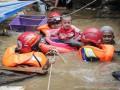 Жертвами наводнения в Индонезии стали 53 человека