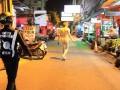 В Таиланде голый русский турист с ножом бросался на прохожих
