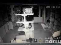 В Харькове подростки за две недели трижды обокрали магазин оргтехники