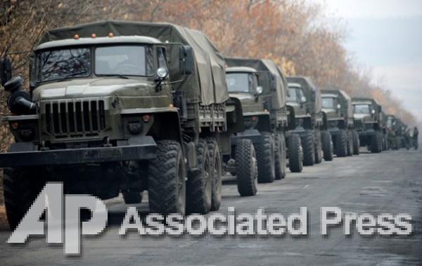 Колонна из шести большегрузных грузовиков въехала на территорию Донбасса из РФ