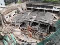 В Шанхае рухнуло здание, под завалами люди