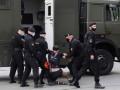 В Минске на задержание активистов кинули военных