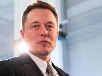 Маск удалил из Facebook страницы Tesla и SpaceX